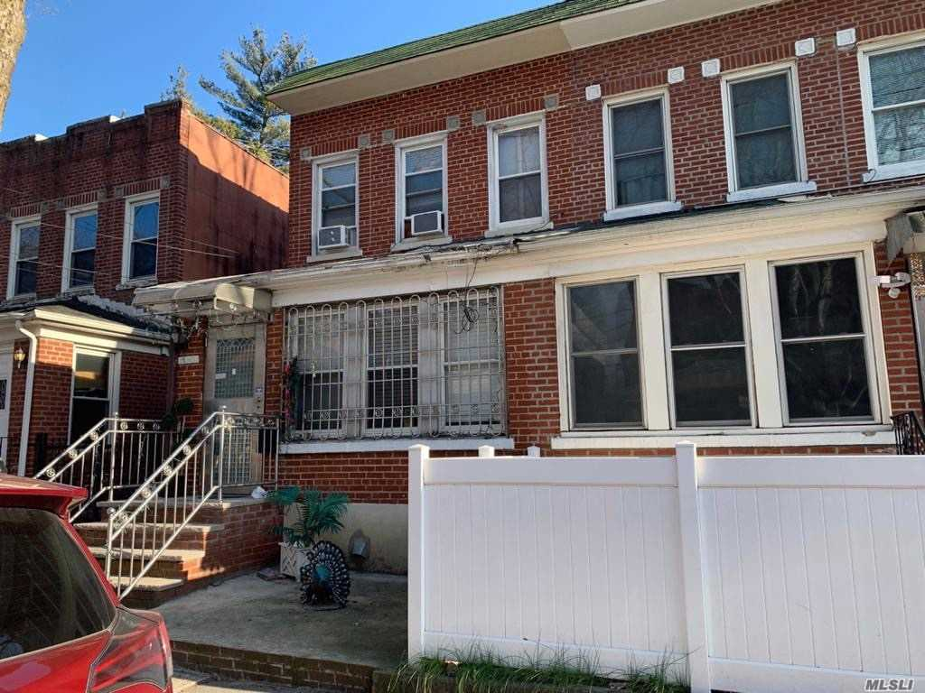 Residential For Sale in 134-04 86th Rd, Richmond Hill N., NY ,11418