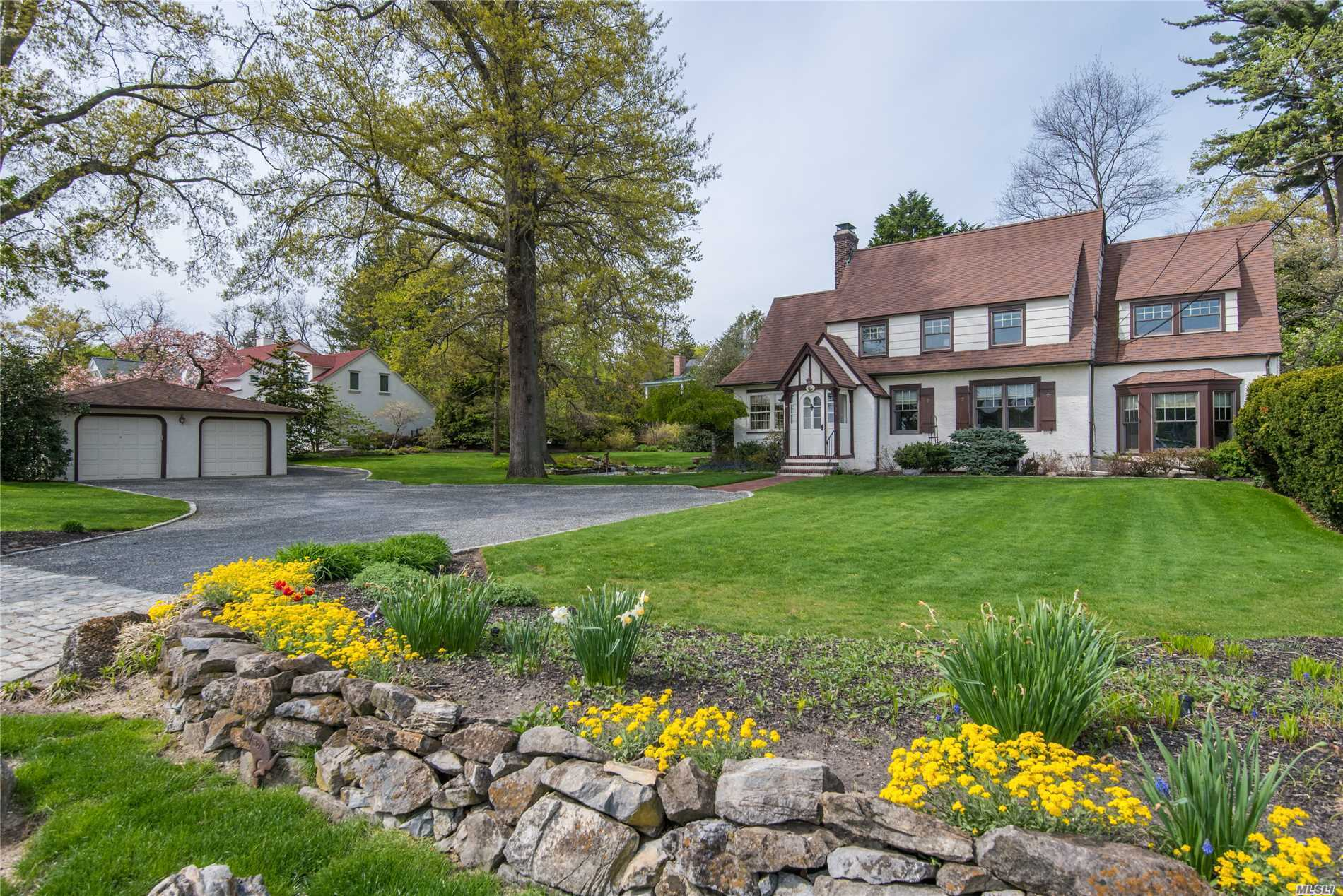 Residential For Sale in 194 E. Shore Rd, Huntington Bay, NY ,11743