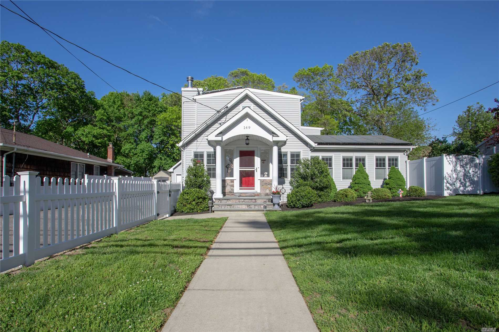 Residential For Sale in 149 Adirondack, Selden, NY ,11784