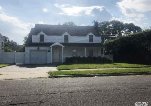 Residential For Sale in 588 Euclid Ave, W. Hempstead, NY ,11552