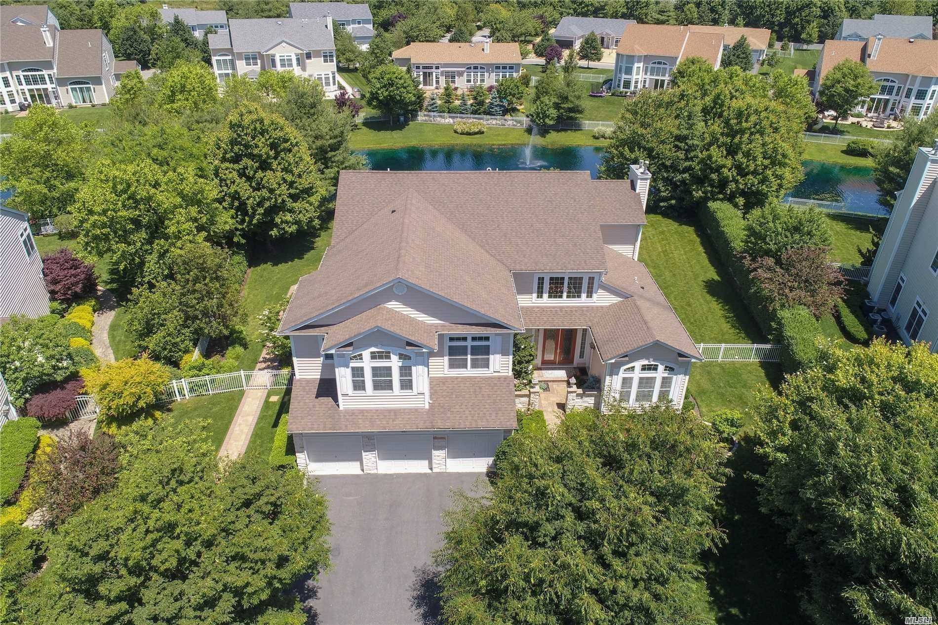 Residential For Sale in 23 Pond View, St. James, NY ,11780