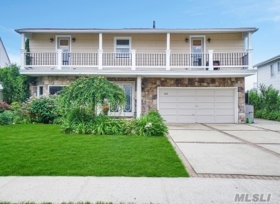 Residential For Sale in 3472 Bertha Dr, Baldwin Harbor, NY ,11510