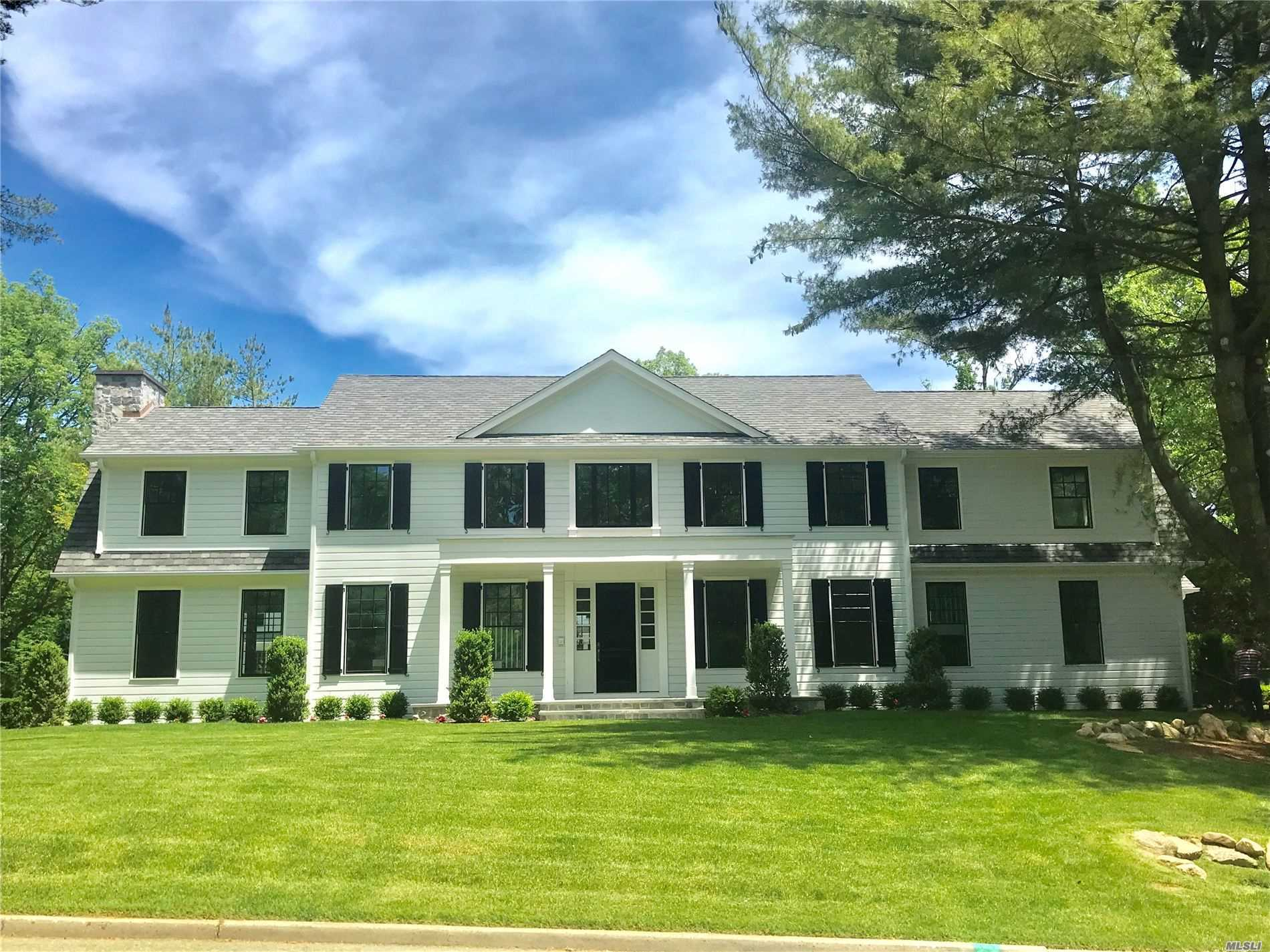 Residential For Sale in 1 West Gate Rd, Port Washington, NY ,11050