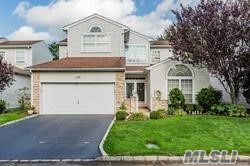 Residential For Sale in 177 Windwatch Dr, Hauppauge, NY ,11788