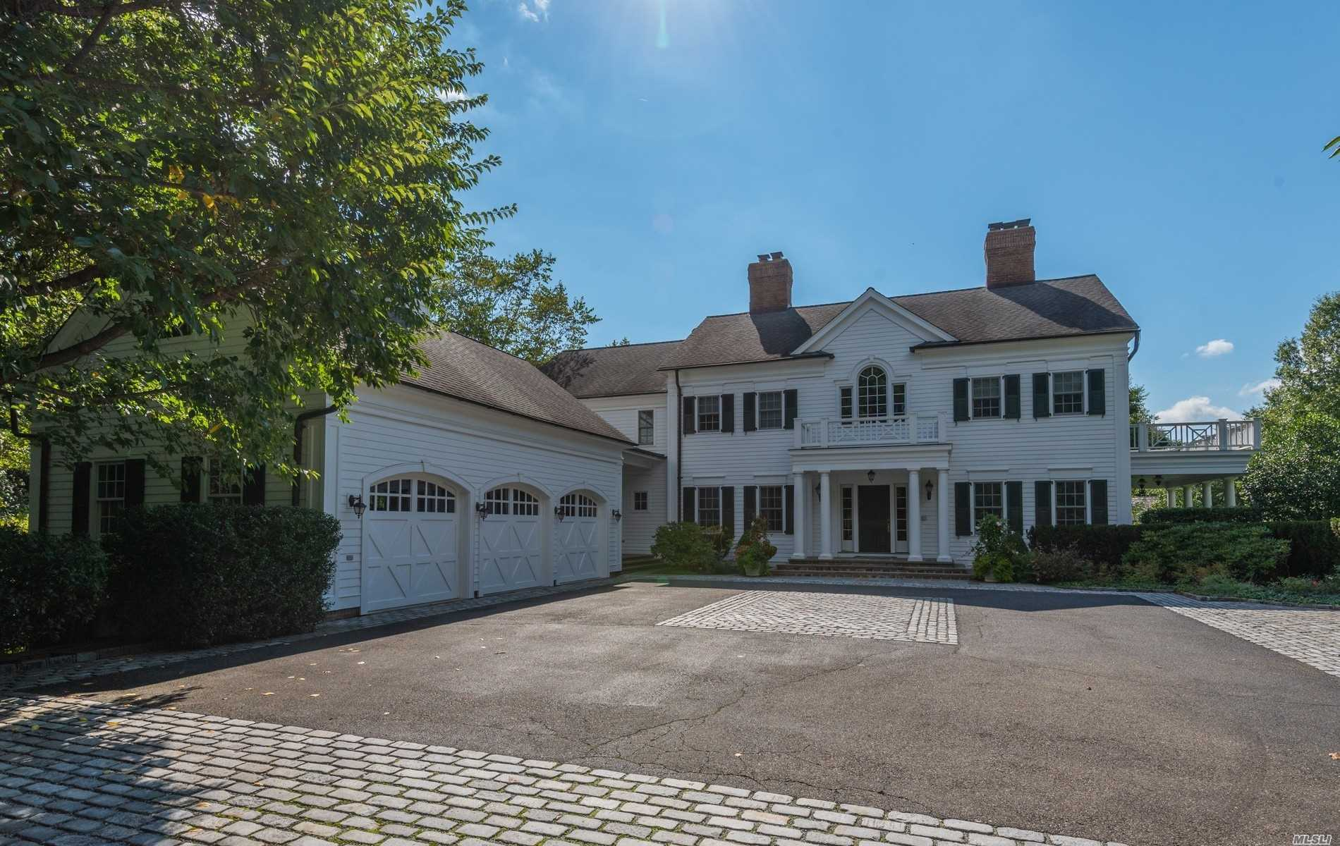 Residential For Sale in 2 Old Wagon Lane, Old Westbury, NY ,11568