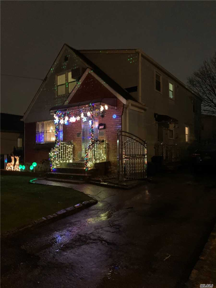 Residential For Sale in 138 Cherry Ln, Floral Park, NY ,11001