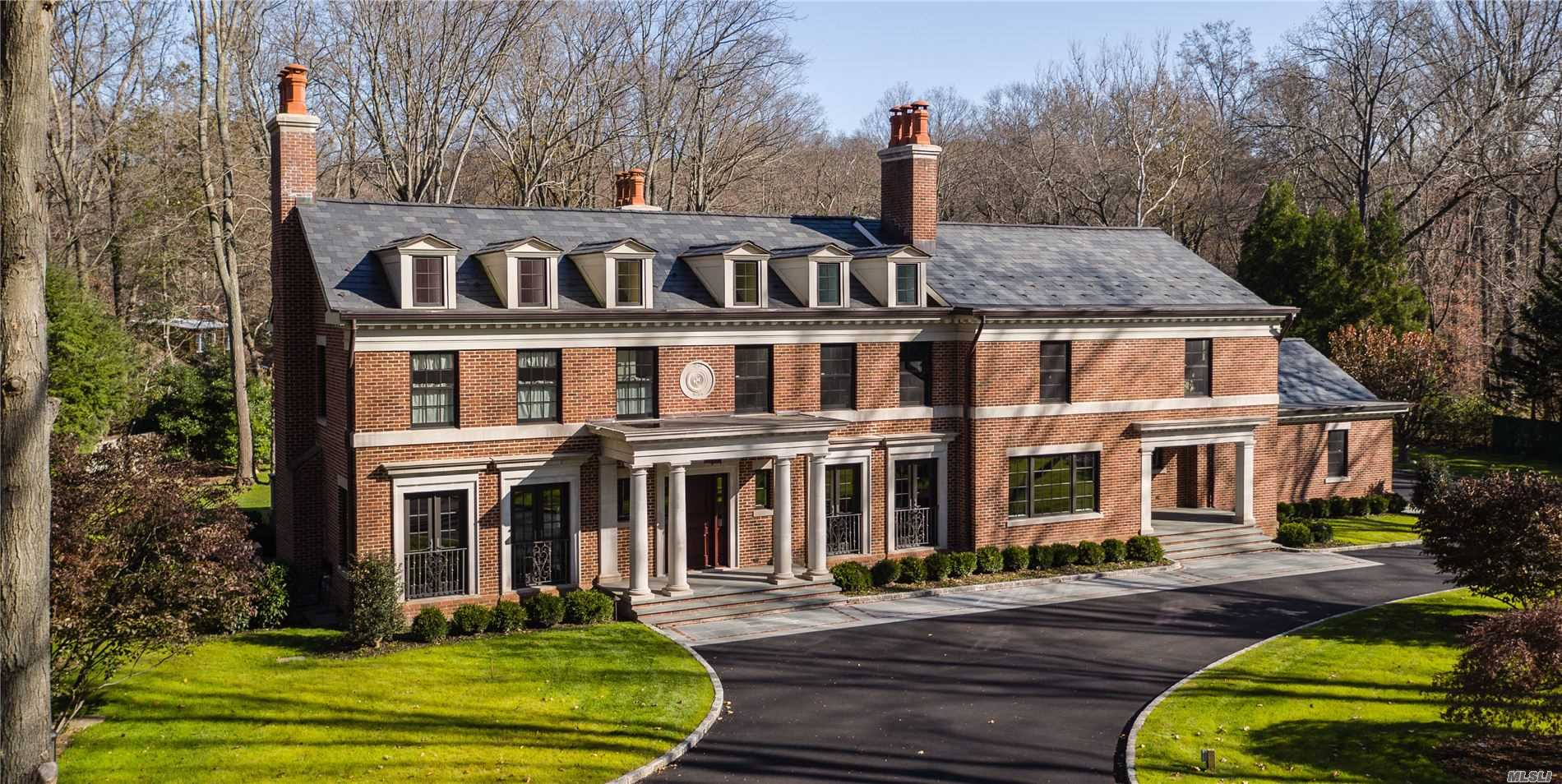 Residential For Sale in 199 Cove Rd, Oyster Bay Cove, NY ,11771