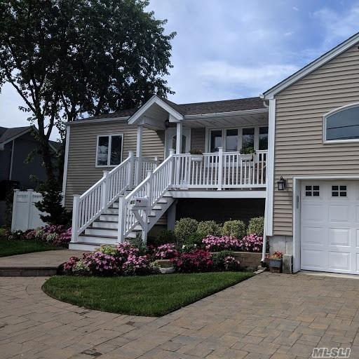 Residential For Sale in 41 Stillwater Ave, Massapequa, NY ,11758