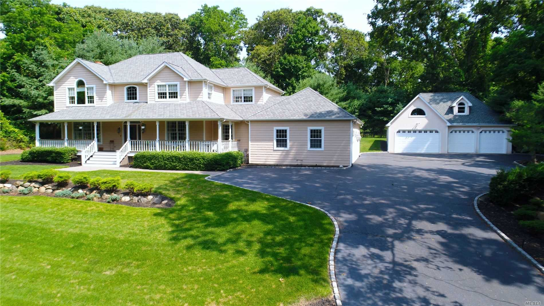 Residential For Sale in 2050 N. Country Rd, Wading River, NY ,11792