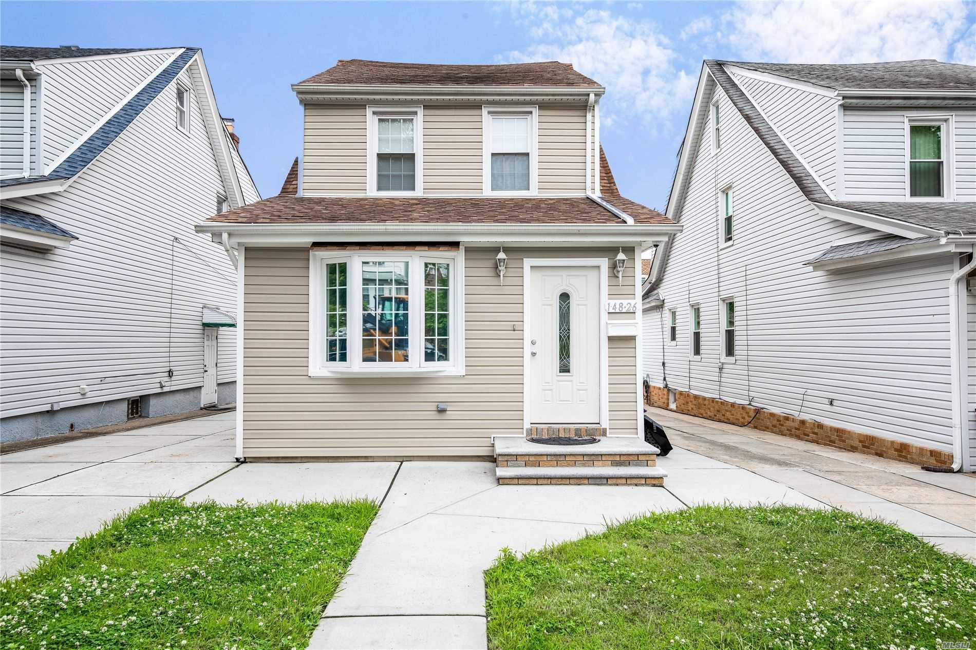 Residential For Sale in 148-26 87th Ave, Briarwood, NY ,11435