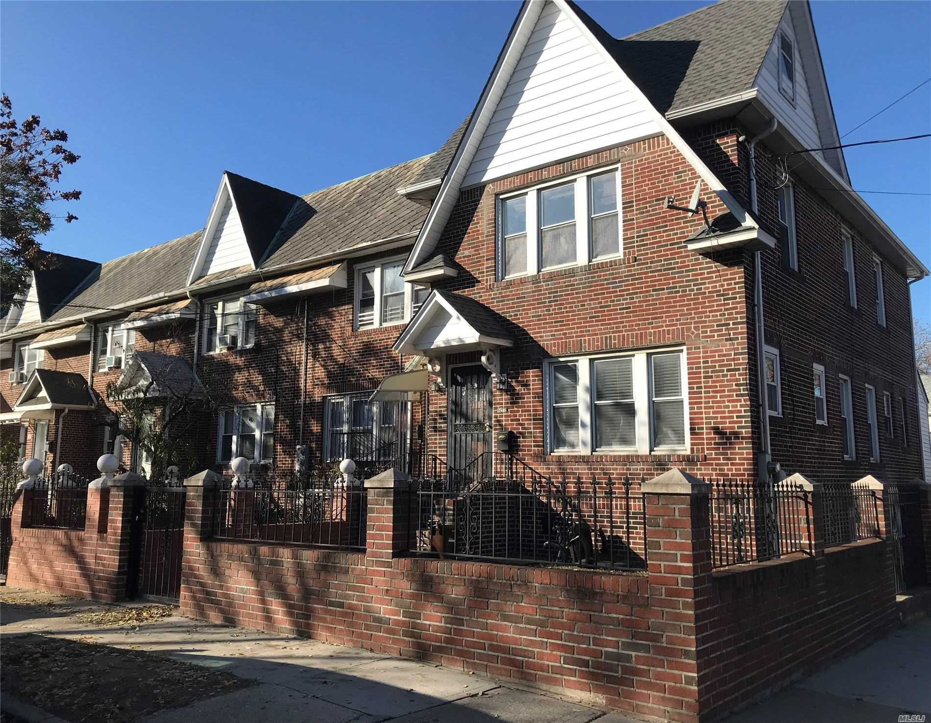 Residential For Sale in 160-19 84 Rd, Jamaica Hills, NY ,11432