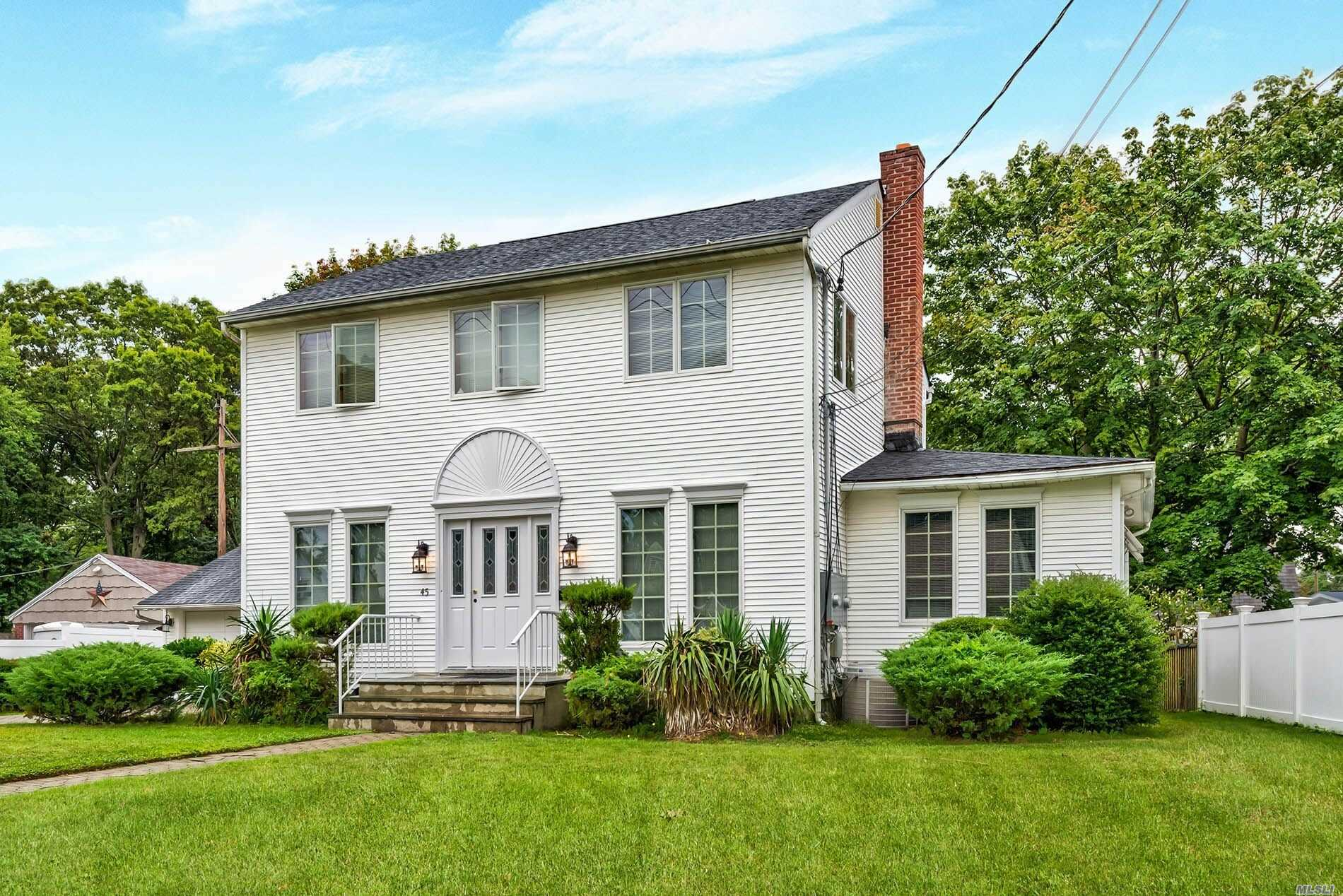 Residential For Sale in 45 Belmont Ave, W. Babylon, NY ,11704