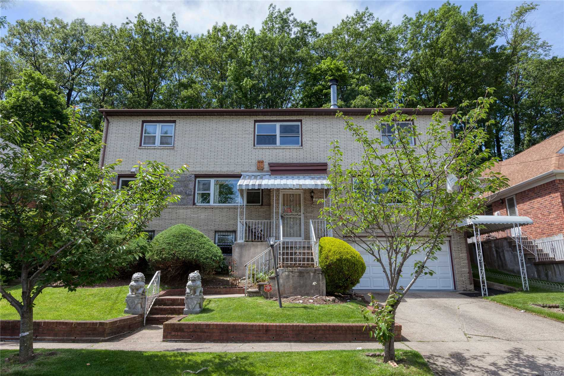 Residential For Sale in 216-07 Sawyer Ave, Hollis Hills, NY ,11427