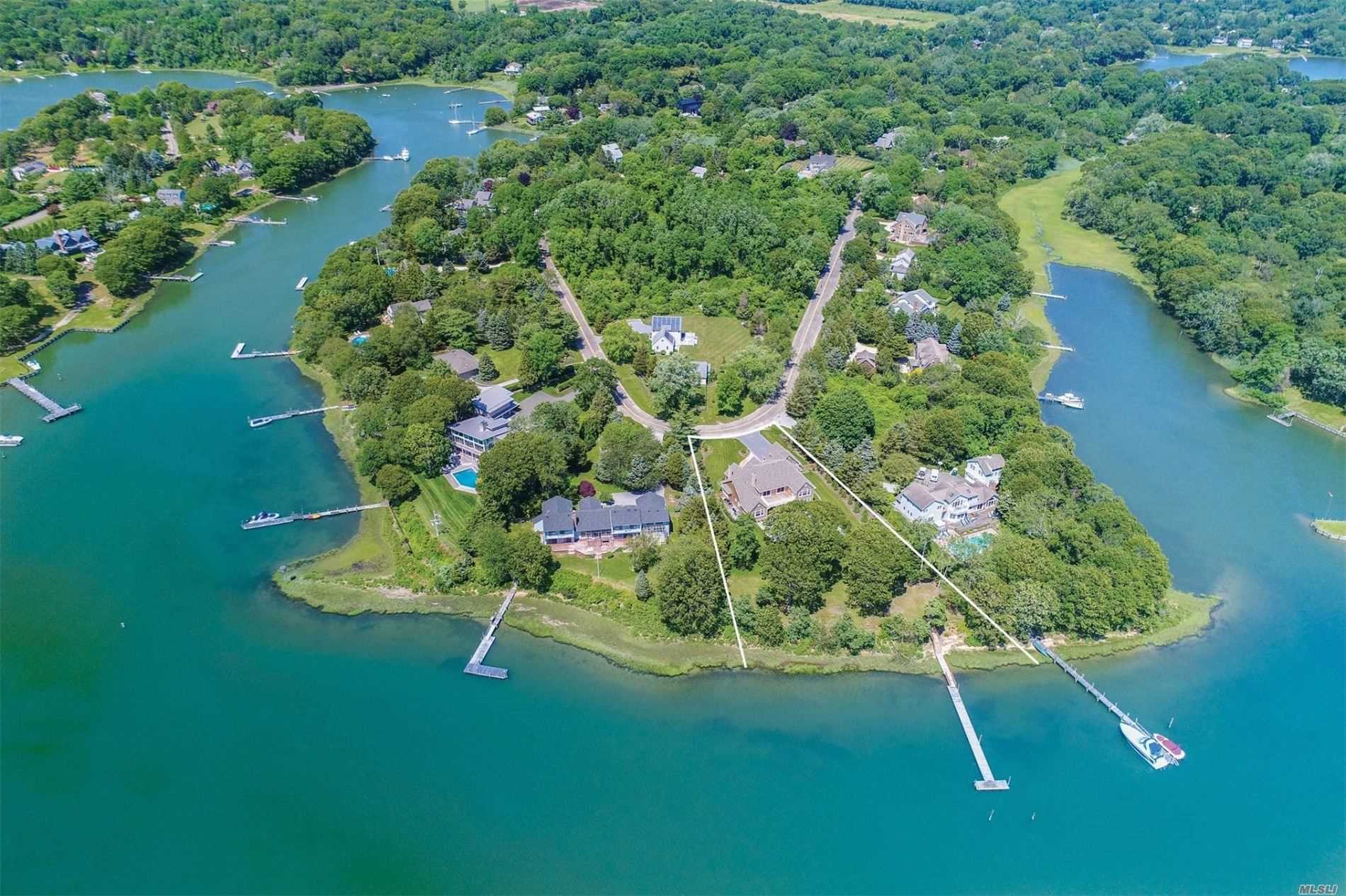 Residential For Sale in 23 Freds Lane, Shelter Island, NY ,11964