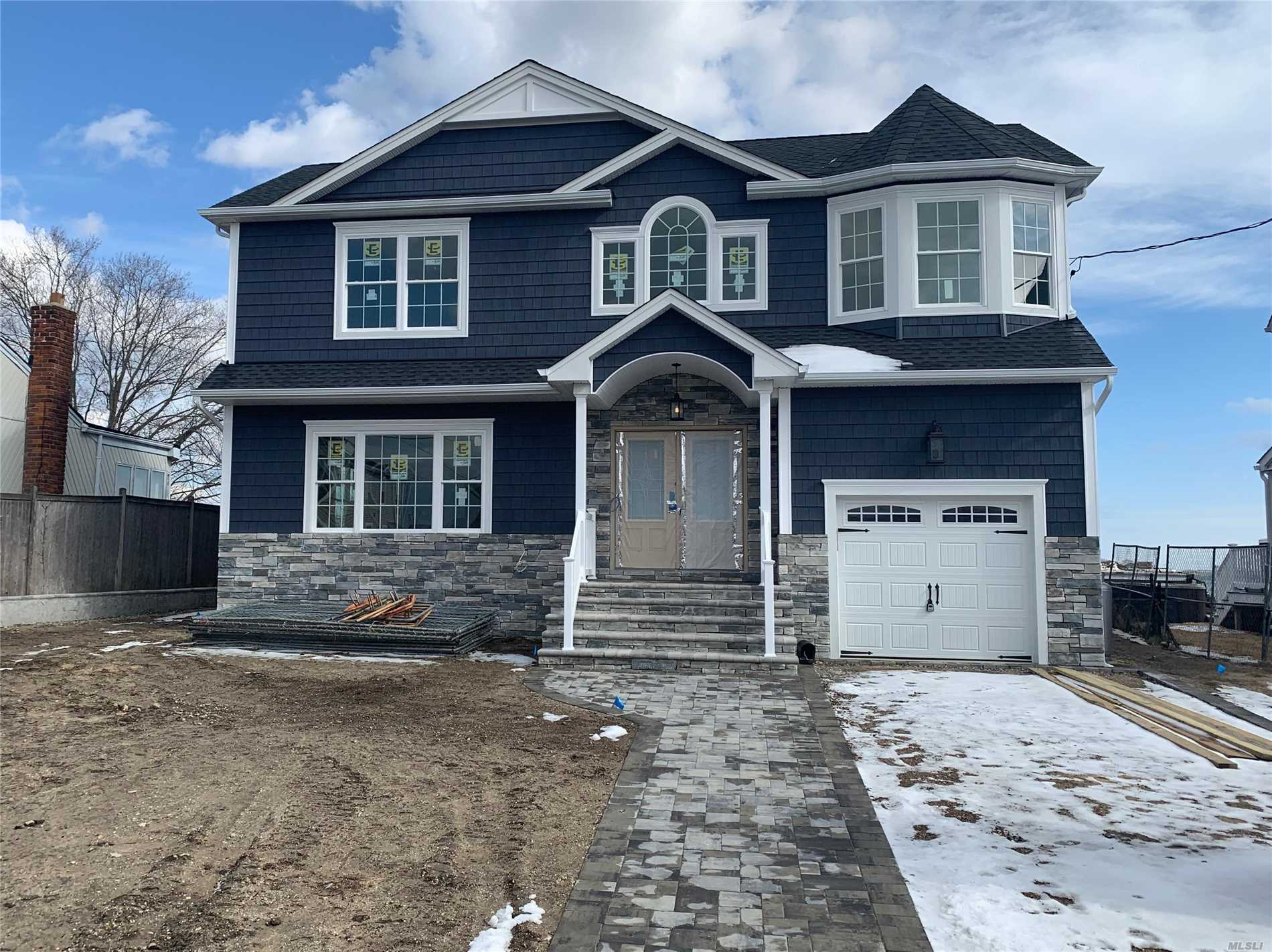 Residential For Sale in 11 Division Ave, Massapequa, NY ,11758