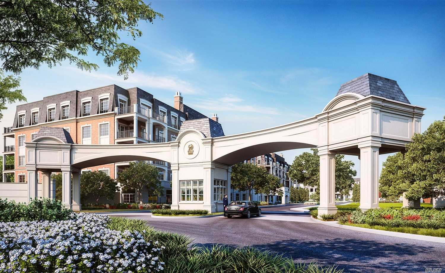 Condominium for sale in 2000 Royal Ct, North Hills, NY ,11040