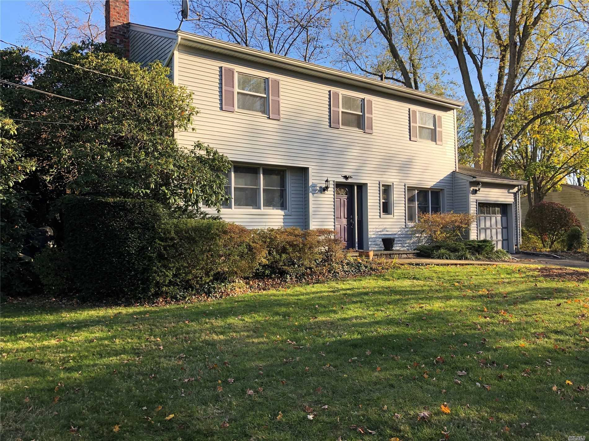 Residential For Sale in 26 Hofstra Dr, Greenlawn, NY ,11740