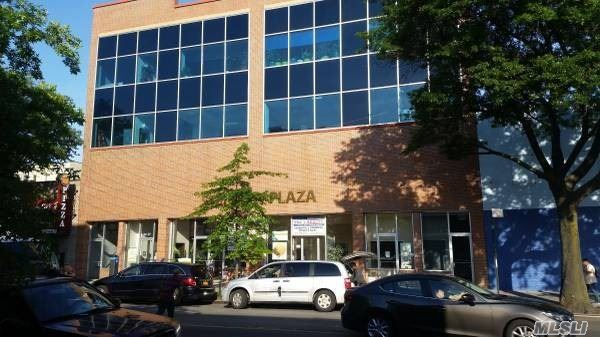 Residential For Rent in 34-27 Steinway, Long Island City, NY ,11101