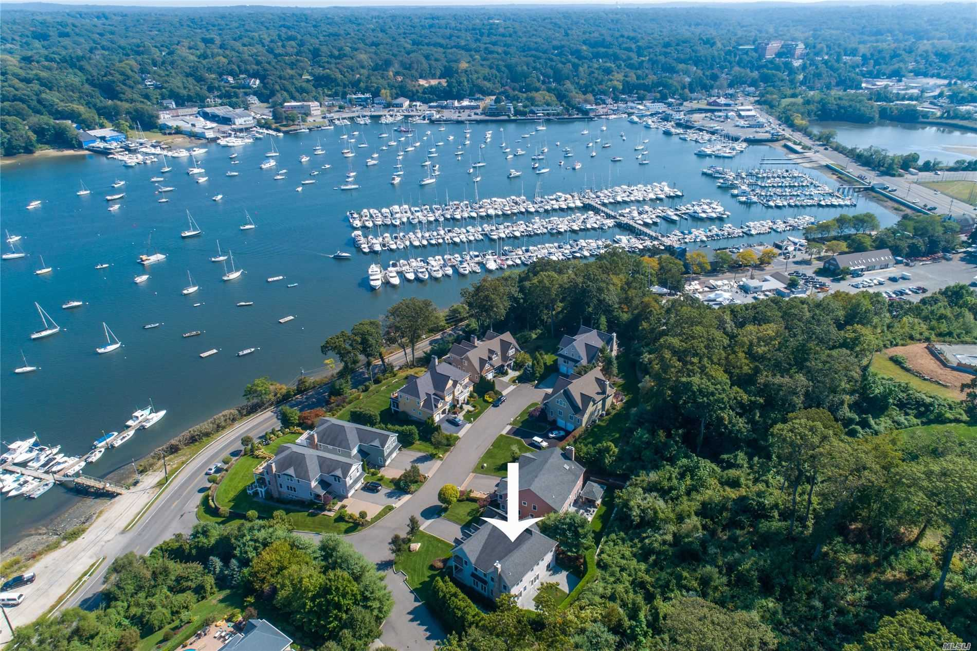 Residential For Sale in 2 Shore Ct, Huntington, NY ,11743
