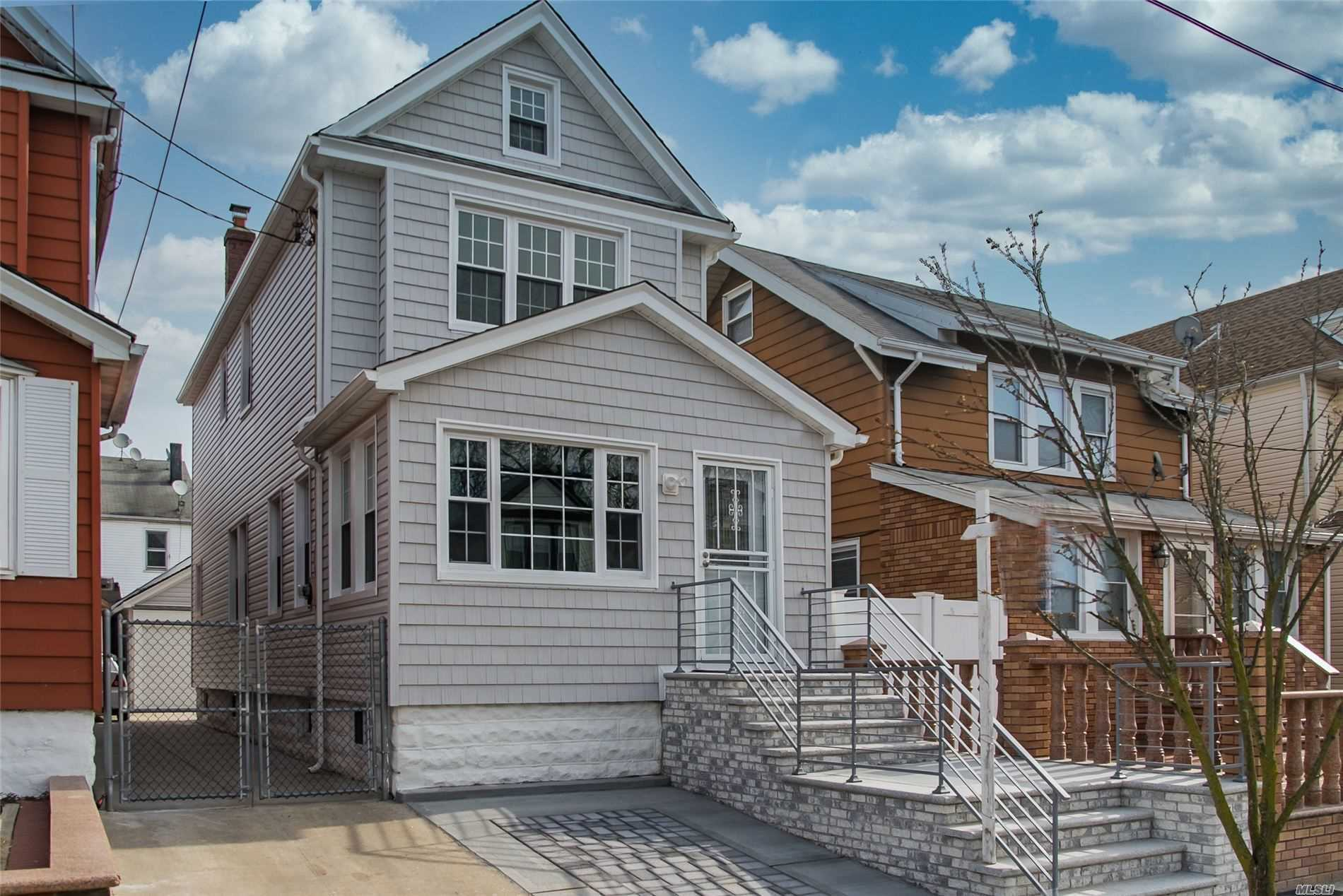 Residential For Sale in 107-17 115th Street, Richmond Hill S., NY ,11418