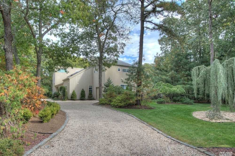Residential For Sale in 1 Blue Jay Way, Quogue, NY ,11959