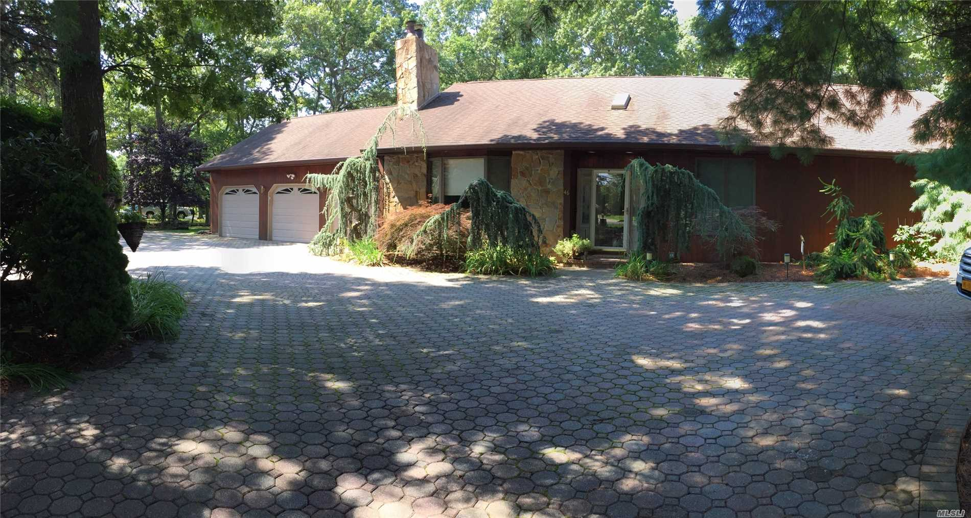 Residential For Sale in 46 Margin W Dr, Shirley, NY ,11967