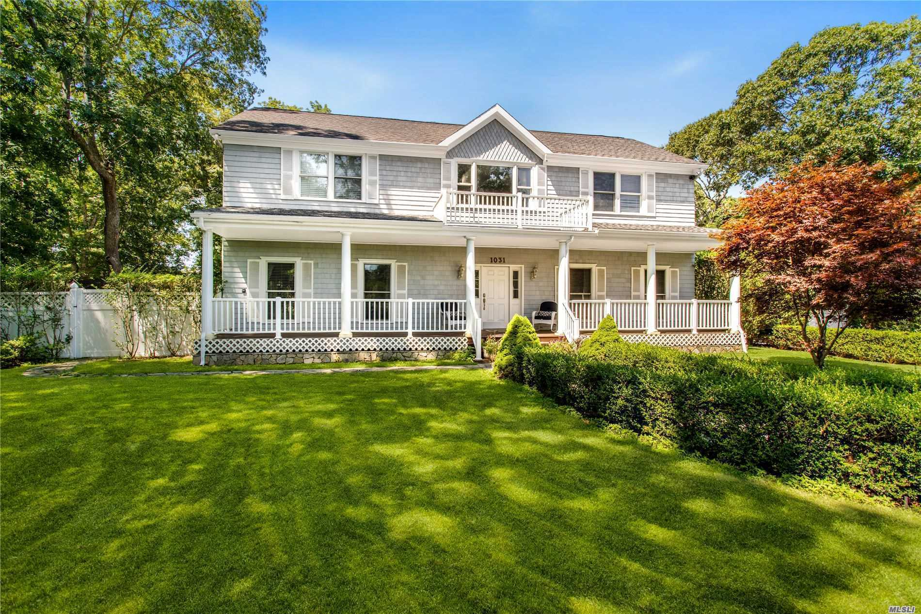 Residential For Sale in 1031 Noyac Rd, Southampton, NY ,11968