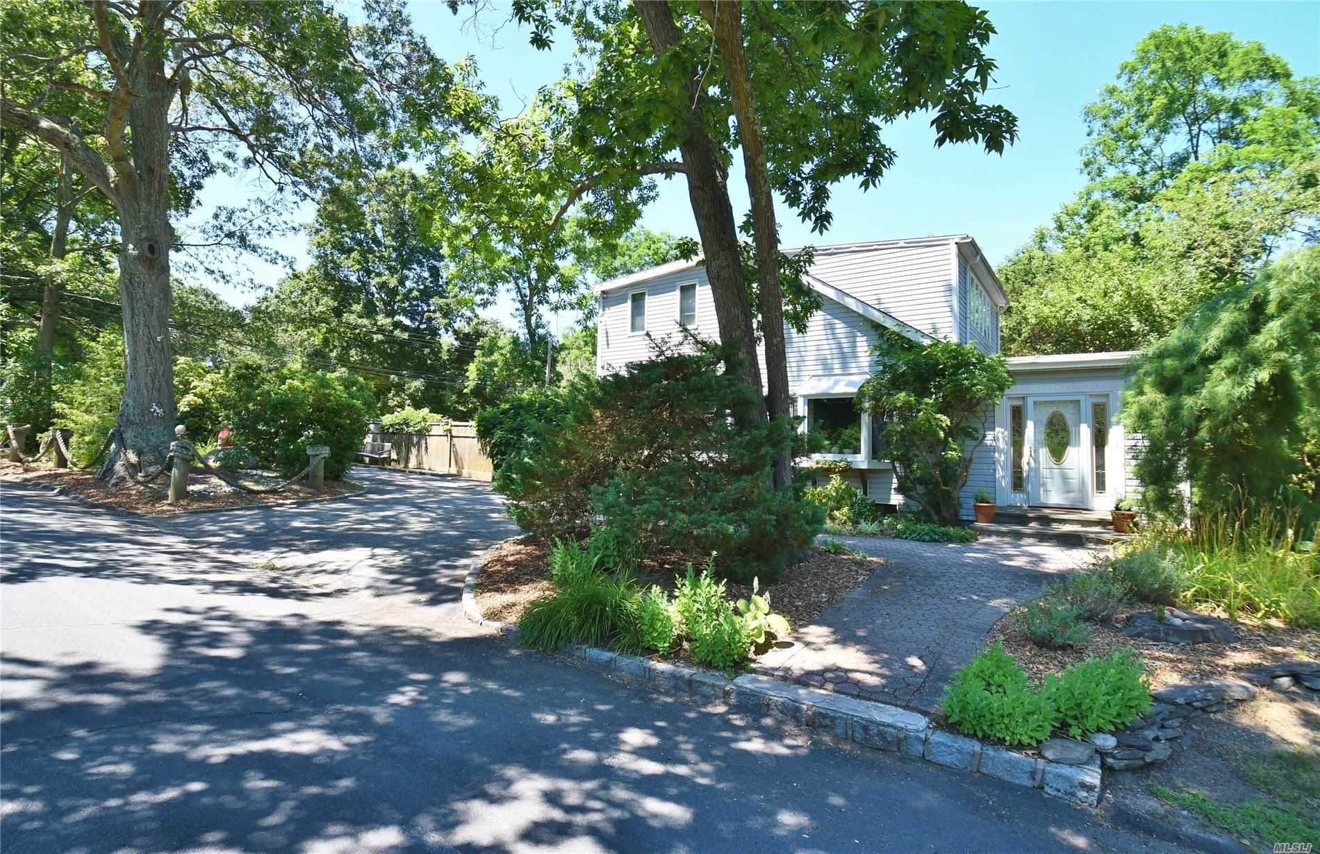 Residential For Sale in 33 Oswego Dr, Greenlawn, NY ,11740