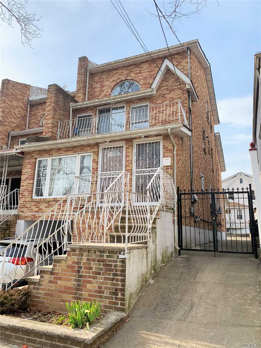 Residential For Sale in 121-13 Linden Blvd, S. Ozone Park, NY ,11420