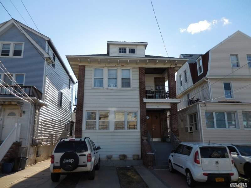 Residential For Sale in 157 Beach 119 St, Rockaway Park, NY ,11694