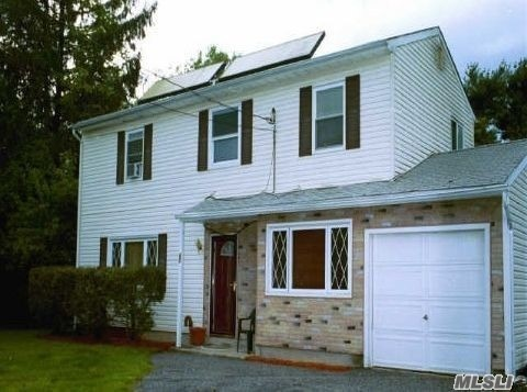 Residential For Sale in 23 Lexington Ave, Brentwood, NY ,11717