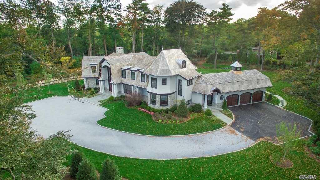 Residential For Sale in 2 Hidden Pond Dr, Old Westbury, NY ,11568
