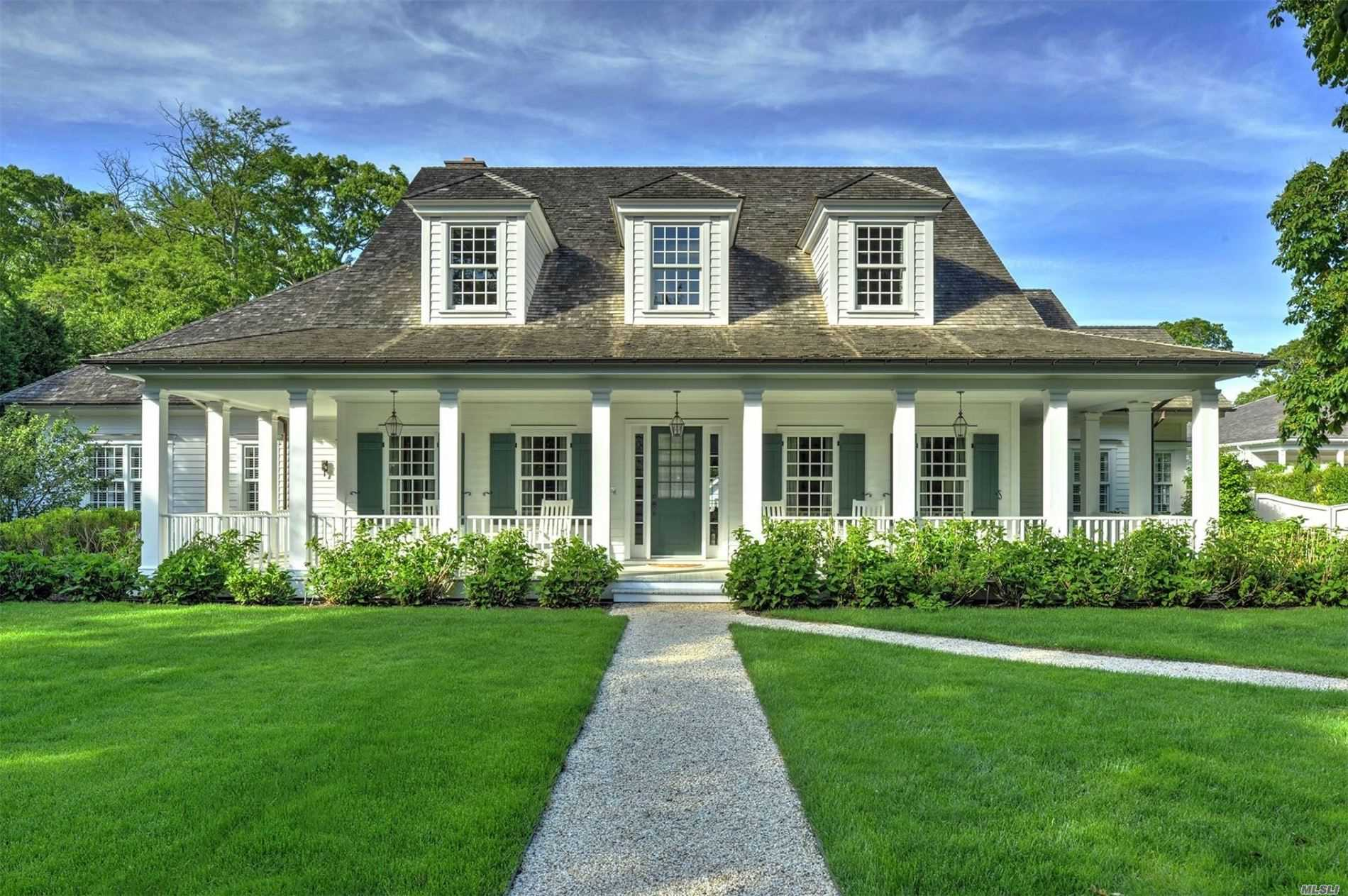 Residential For Sale in 141 Sayres Path, Wainscott, NY ,11975