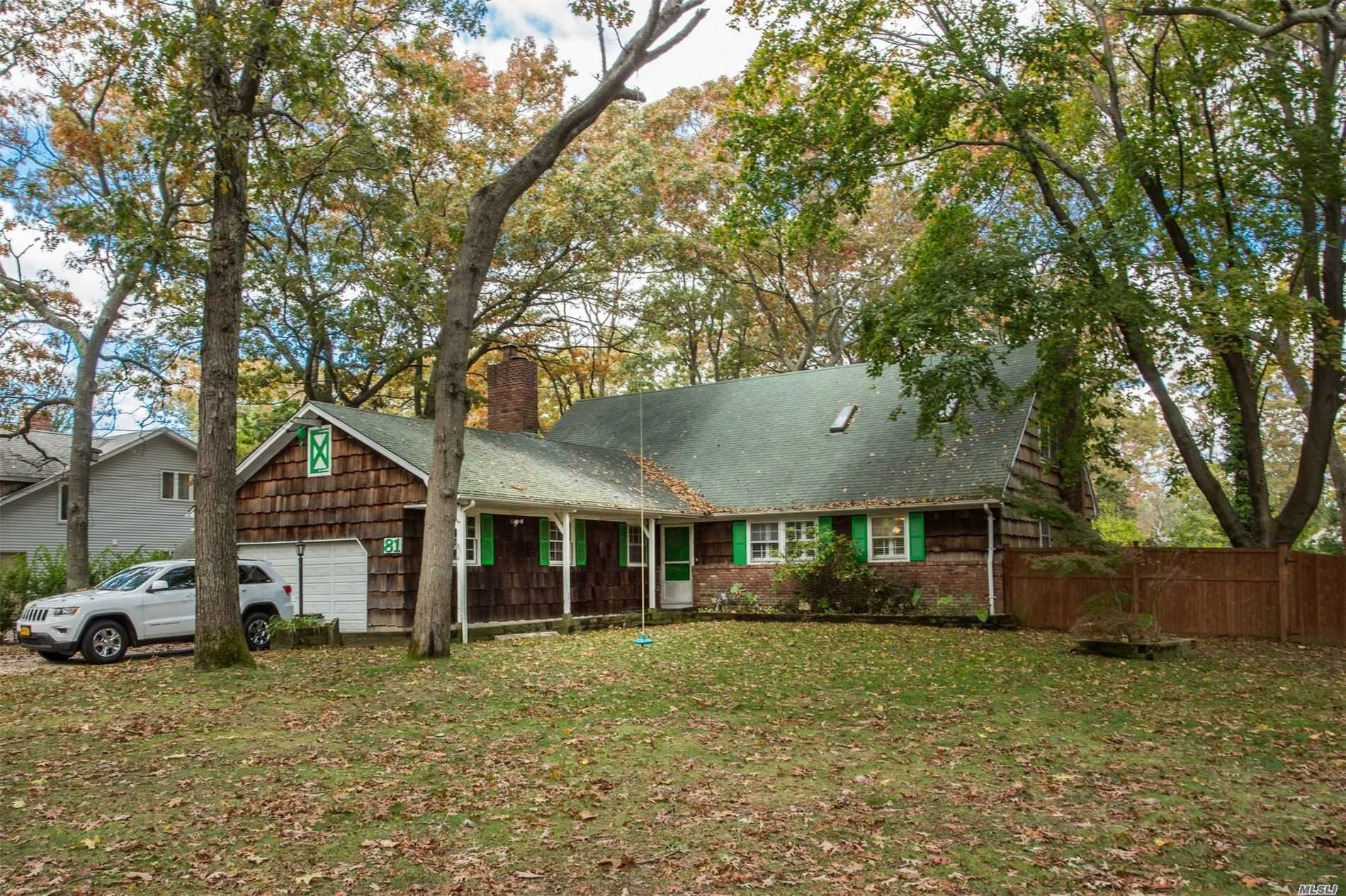 Residential For Sale in 81 Timber Point Rd, Great River, NY ,11739