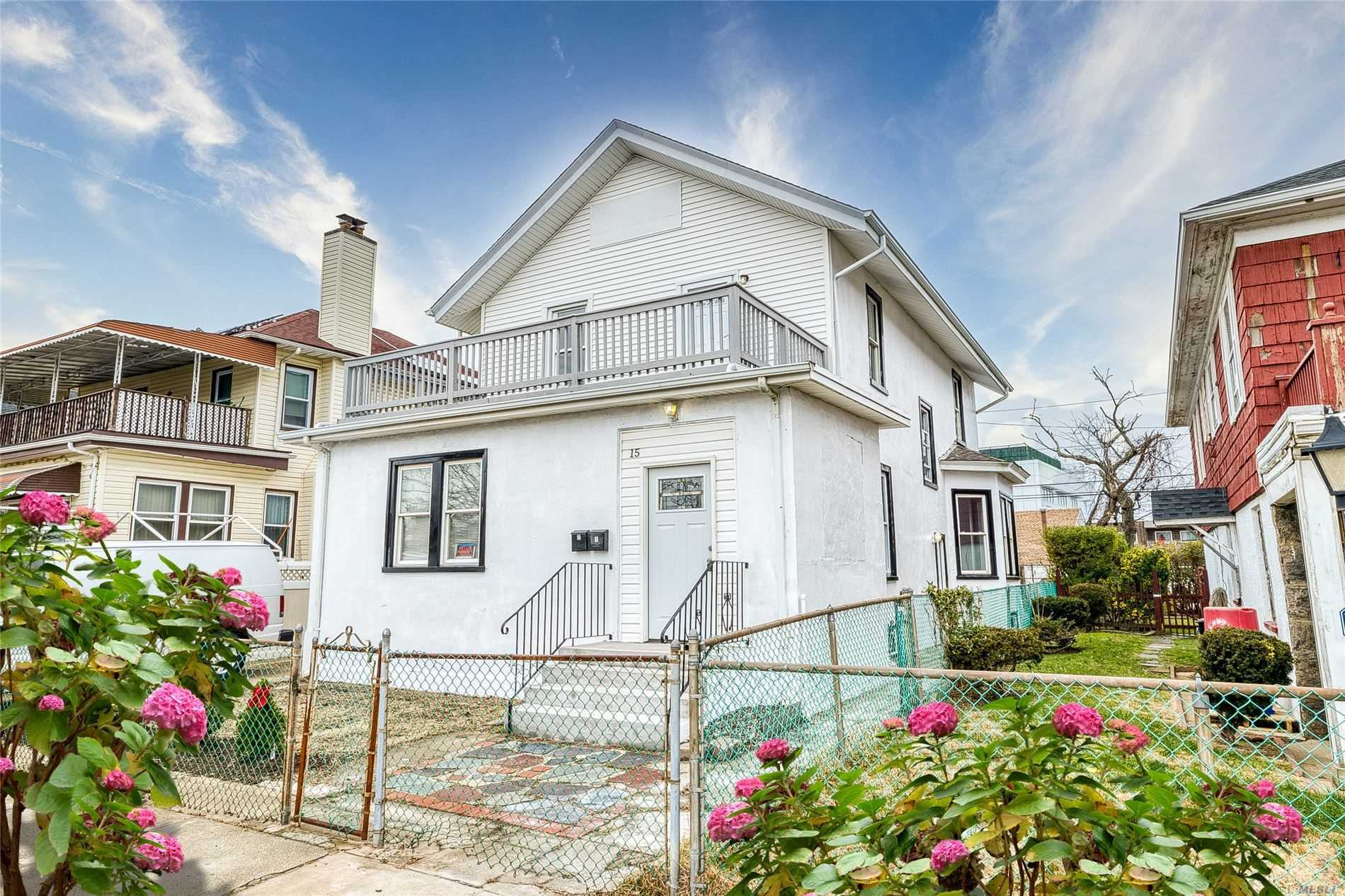 Residential For Sale in 15 Fulton E St, Long Beach, NY ,11561