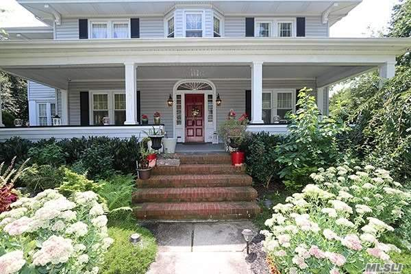 Residential For Sale in 134 Shellbank Place, Rockville Centre, NY ,11570