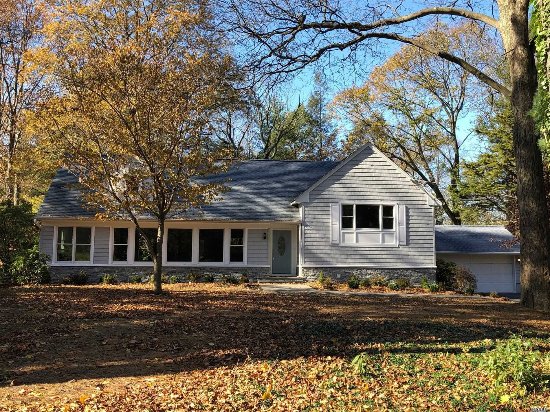 Residential For Sale in 45 Flower Hill Rd, Huntington, NY ,11743