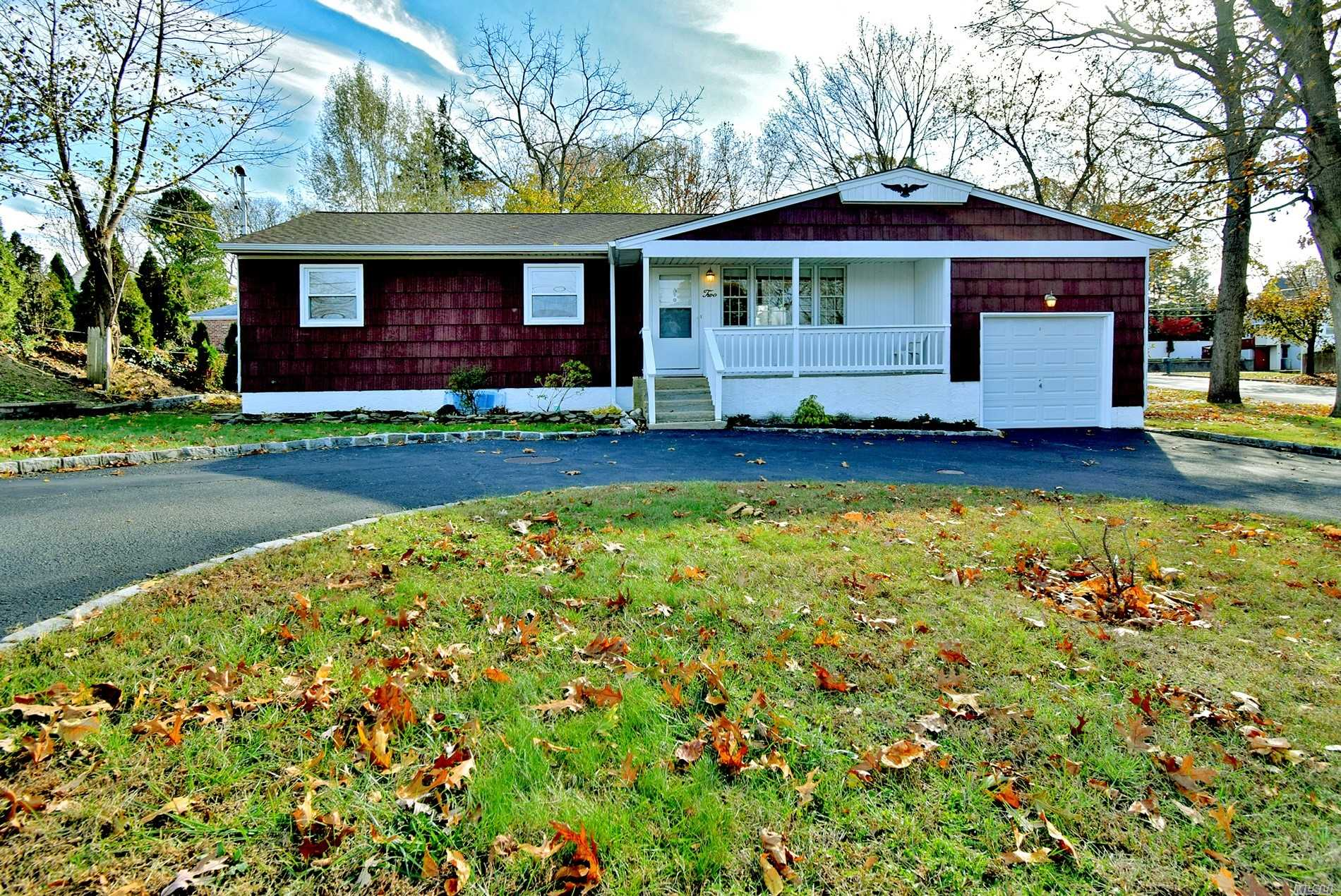 Residential For Sale in 2 Hancock St, Smithtown, NY ,11787