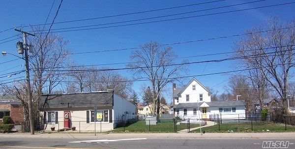 Commercial for sale in 300 + 306 Merrick Rd, Amityville, NY ,11701