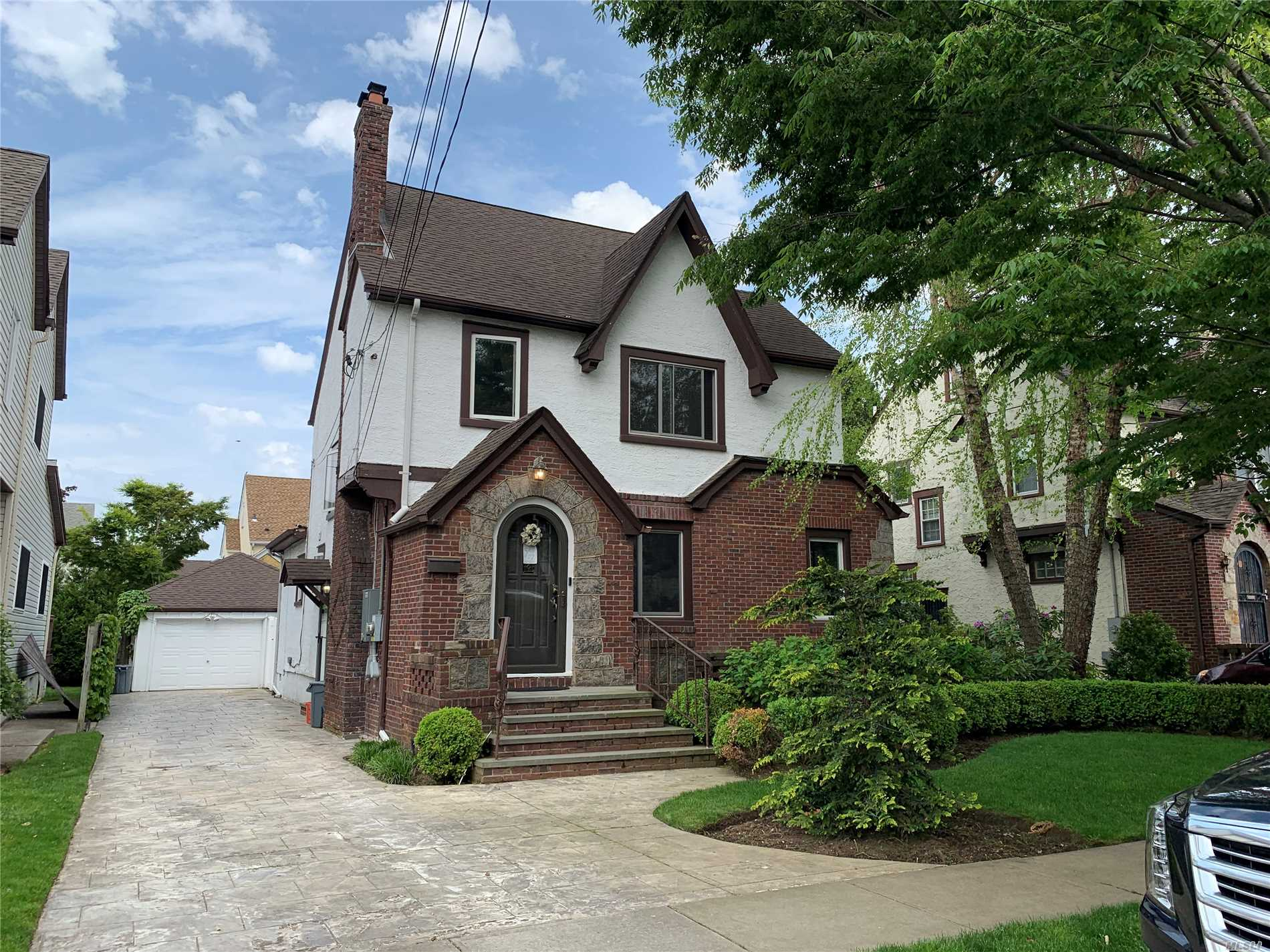 Residential For Sale in 235 Colony St, W. Hempstead, NY ,11552