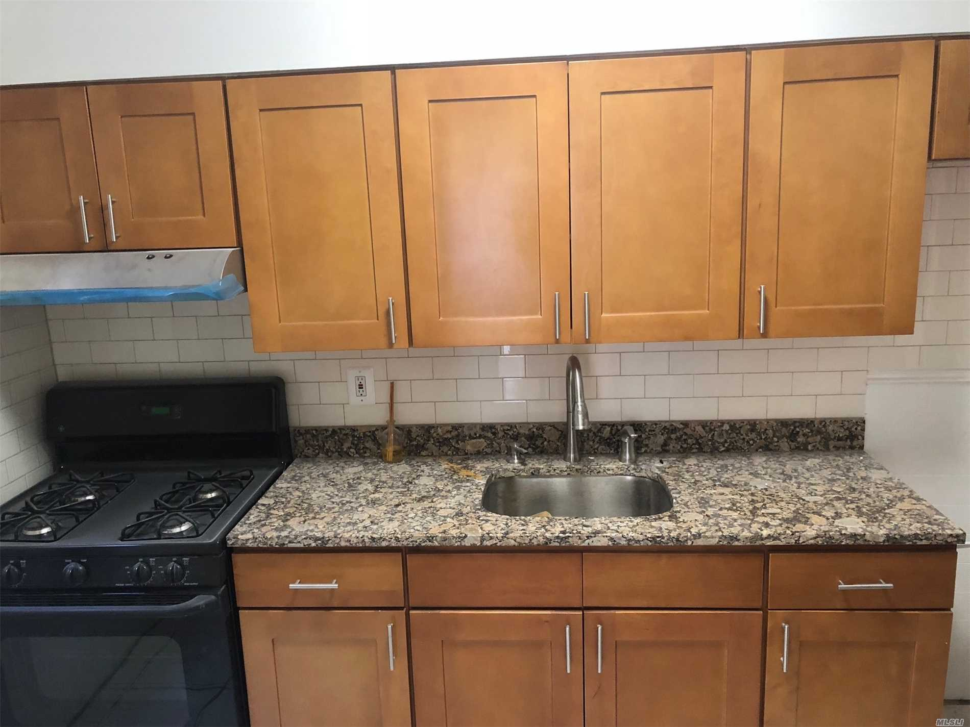 Residential For Rent in 29-09 Broadway, Long Island City, NY ,11106