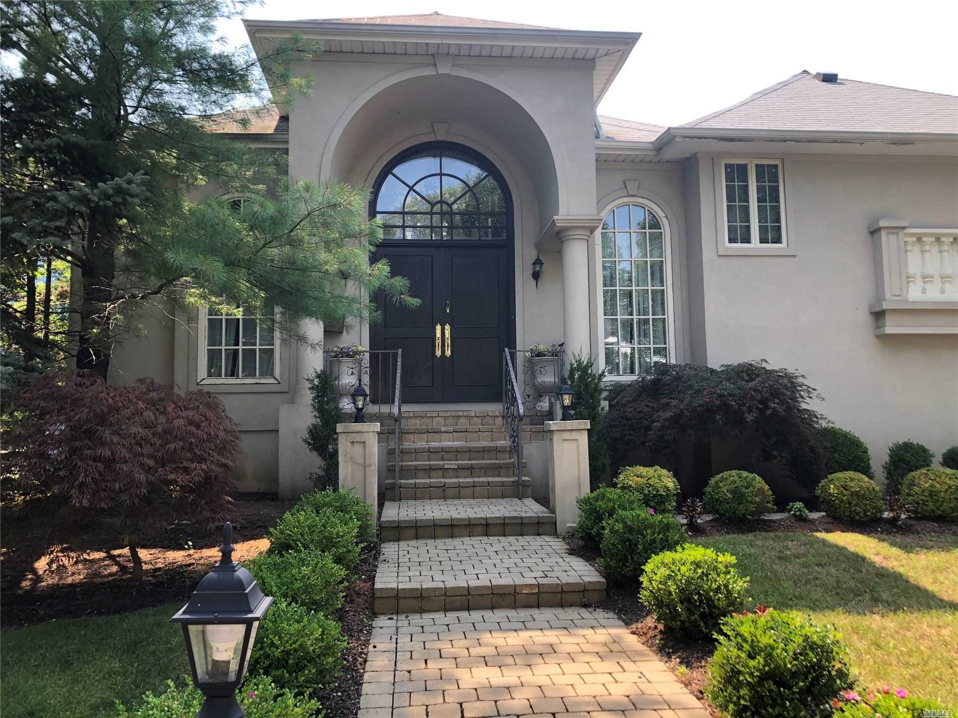 Residential For Sale in 425 Felter Ave, Woodmere, NY ,11598