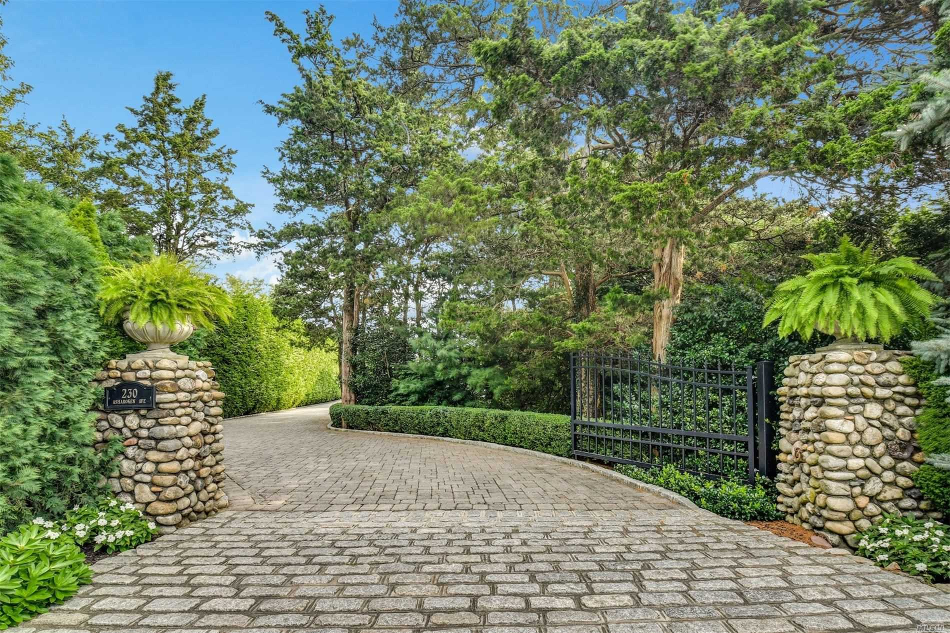 Residential For Sale in 230 Asharoken Ave, Northport, NY ,11768