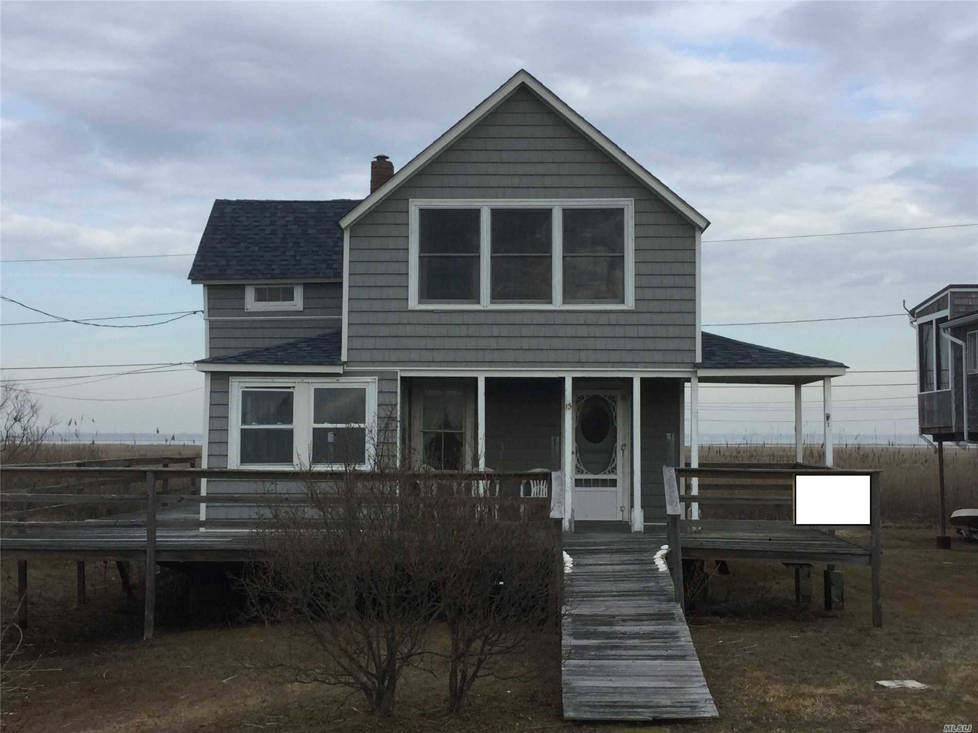 Residential For Sale in 15 Cottage Walk, Gilgo Beach, NY ,11702