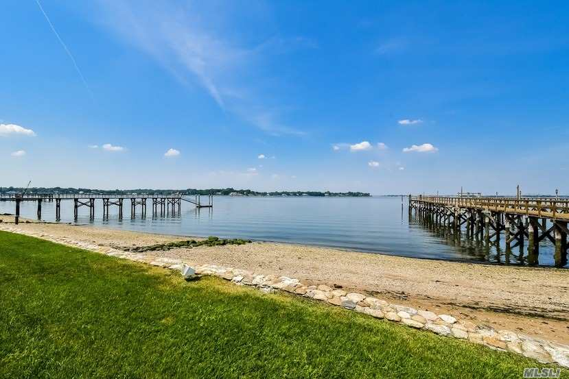 Residential For Sale in 16 Plum Beach Point Rd, Sands Point, NY ,11050