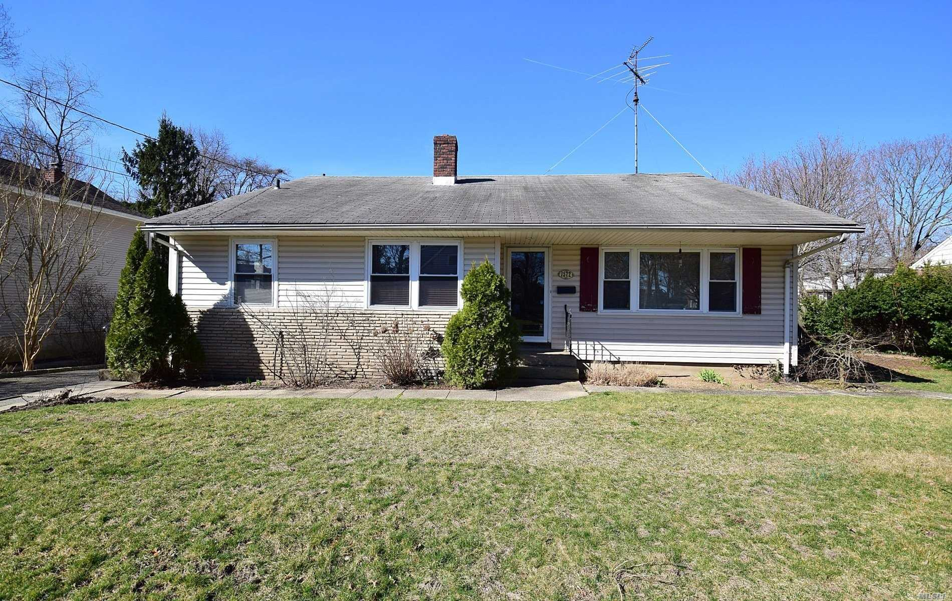 Residential For Sale in 1572 Dewey Ave, N. Bellmore, NY ,11710
