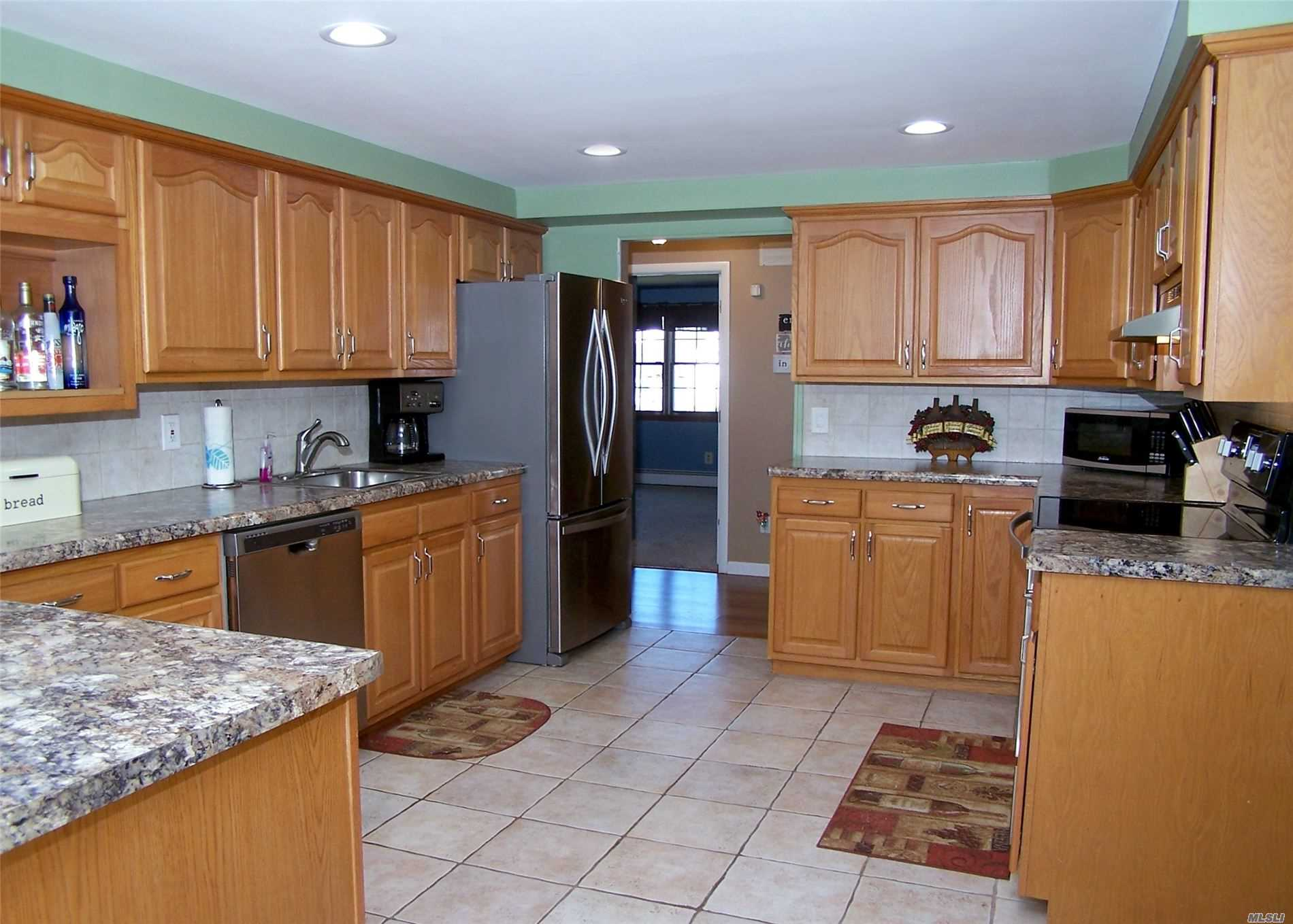 Residential For Sale in 12 Sherry Ln, Selden, NY ,11784
