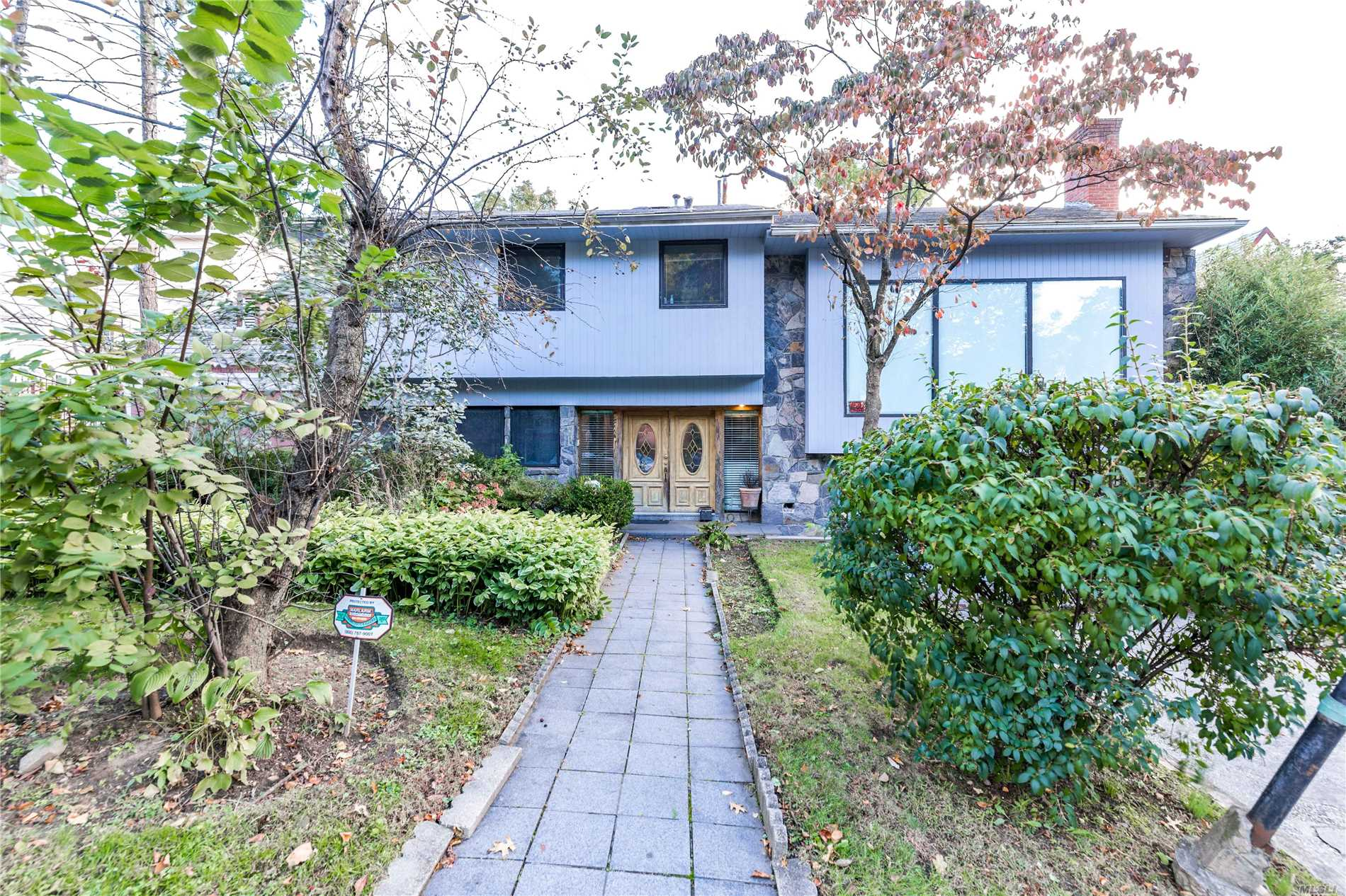 Residential For Sale in 82-11 Beverly Rd, Kew Gardens, NY ,11415