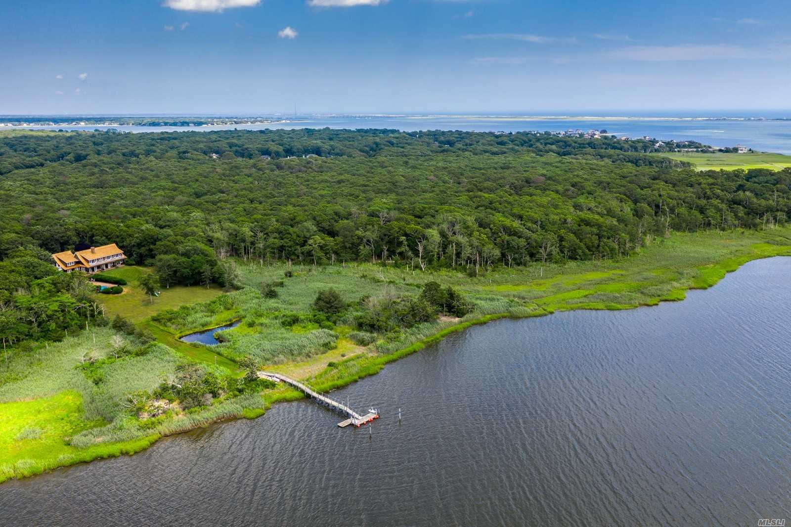 Residential For Sale in 43 Head Of Lots Rd, E. Quogue, NY ,11942