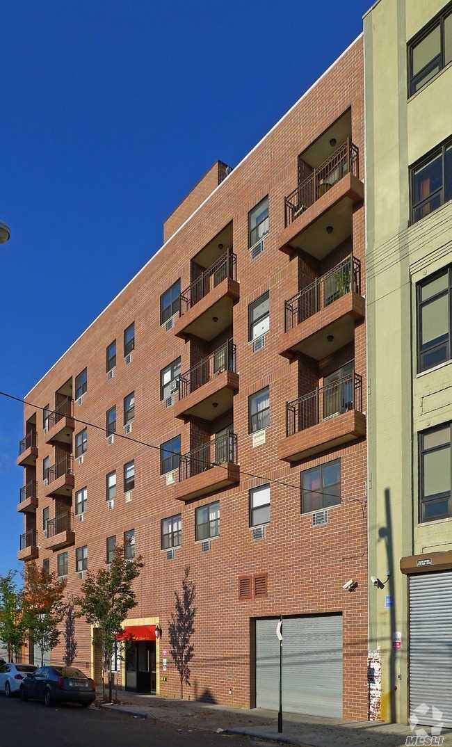 Residential For Rent in 37-21 31st St, Long Island City, NY ,11101